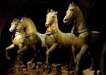800px-Horses_of_Basilica_San_Marco_bright