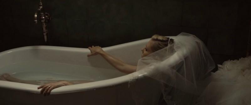 Kirsten_Dunst_jeune_actrice_actress_comedienne_Melancholia_lars_von_trier_film2-800x336