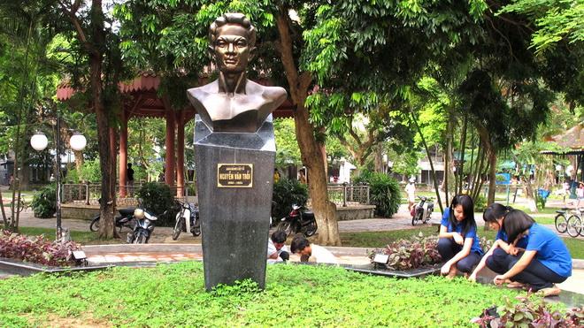 Nguyen Van Troi'nin Bustu