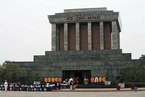 Ho Çi Min'in Anıtmezarı
