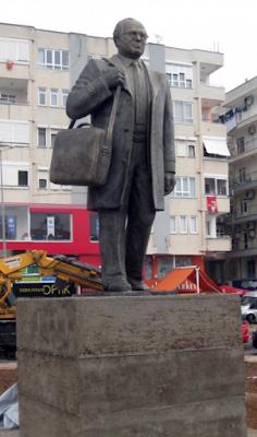 Uğur Mumcu Anıtı, Antalya