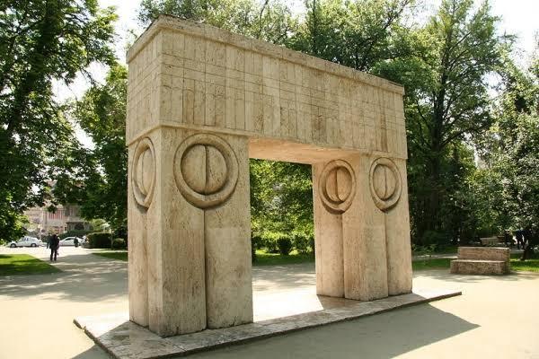 Işıl Savaşer, Modern Heykelin Avangard Sanatçısı Constantin Brancusi